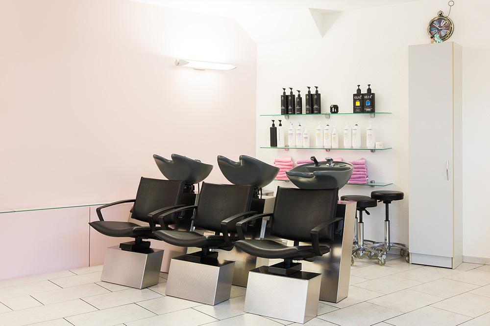Innenansicht von Coiffeur Humanity - Haare waschen